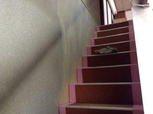 巾木のない階段