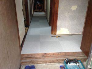 廊下の床板リフォーム工事