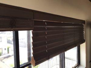 木製ブラインドの開閉