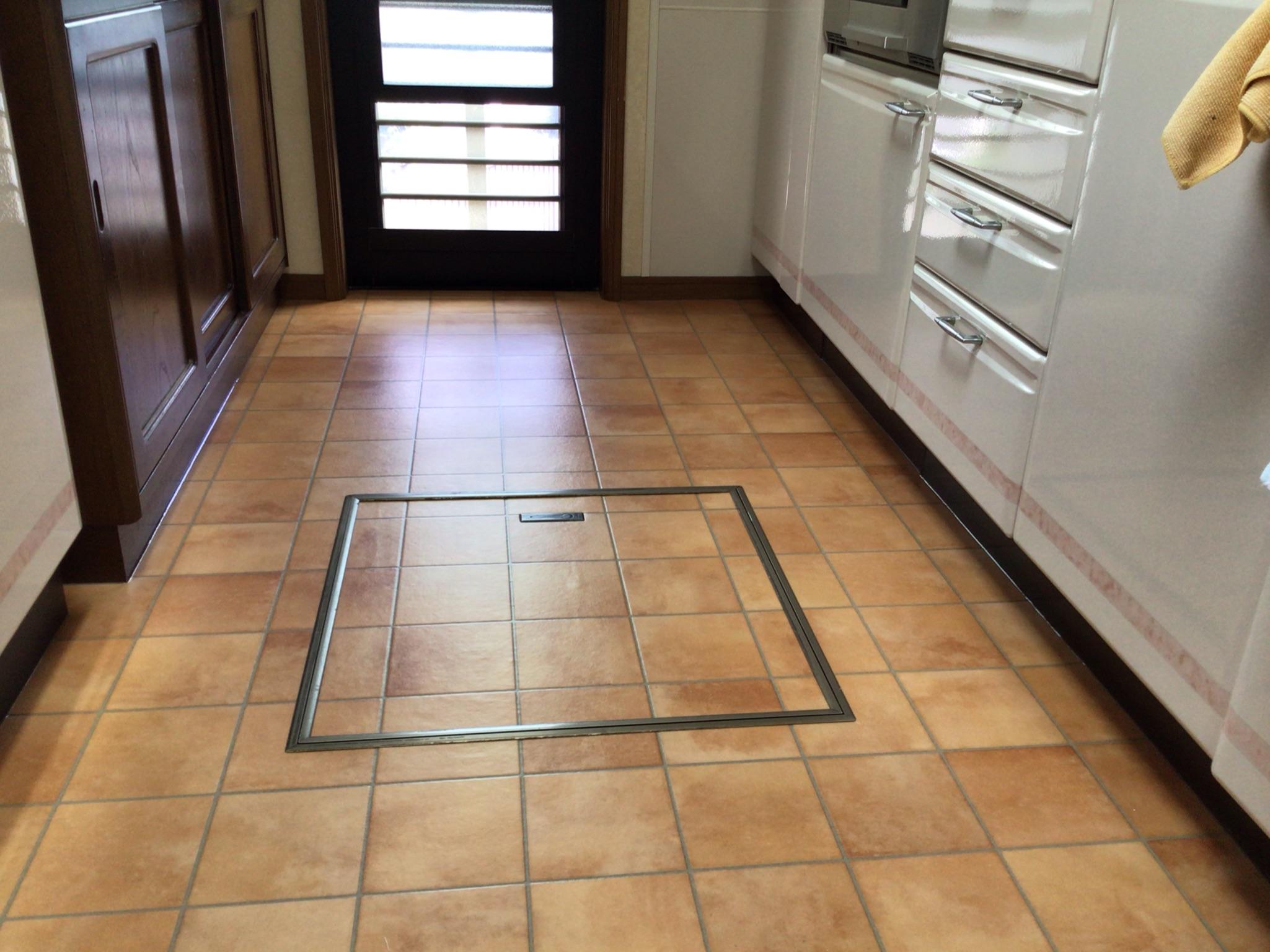 キッチンの床施工完了