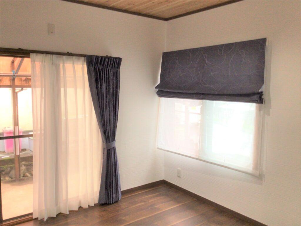 ダブルシェードと形態安定加工のカーテン